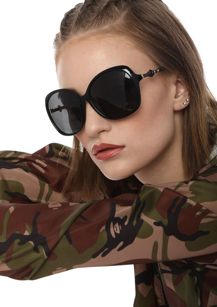 TAKE ME HIGHER BLACK RETRO SUNGLASSES