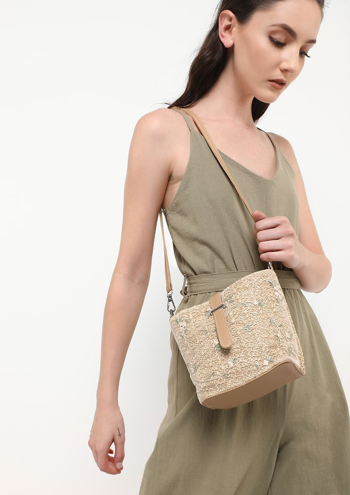 BUCKLE UP KHAKI TOTE BAG