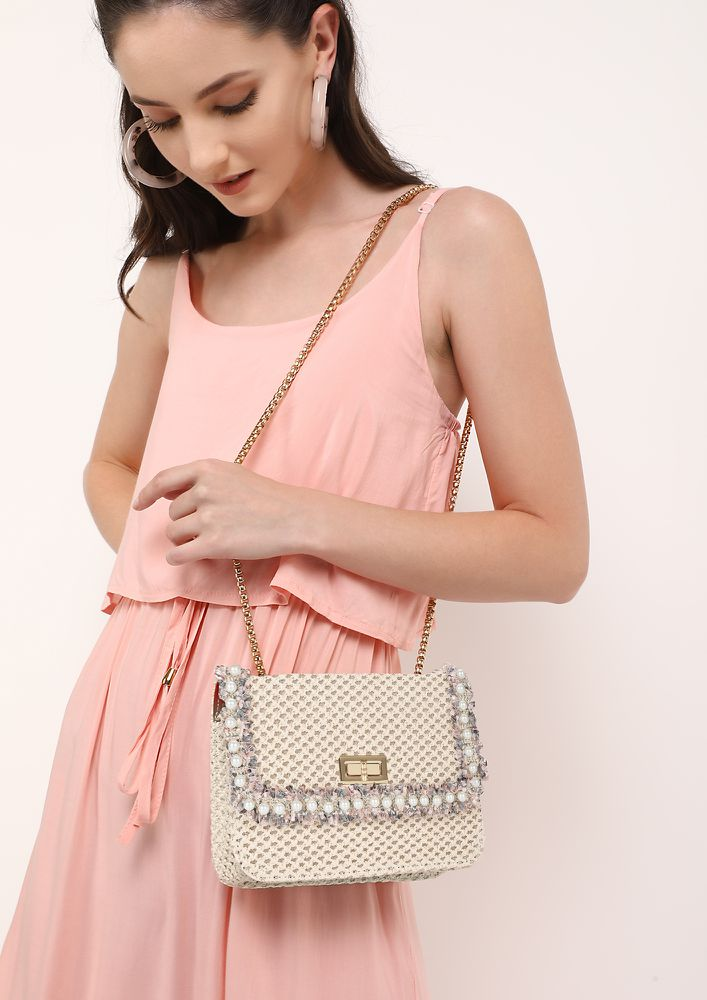 CALL IT QUILTS WHITE SLING BAG