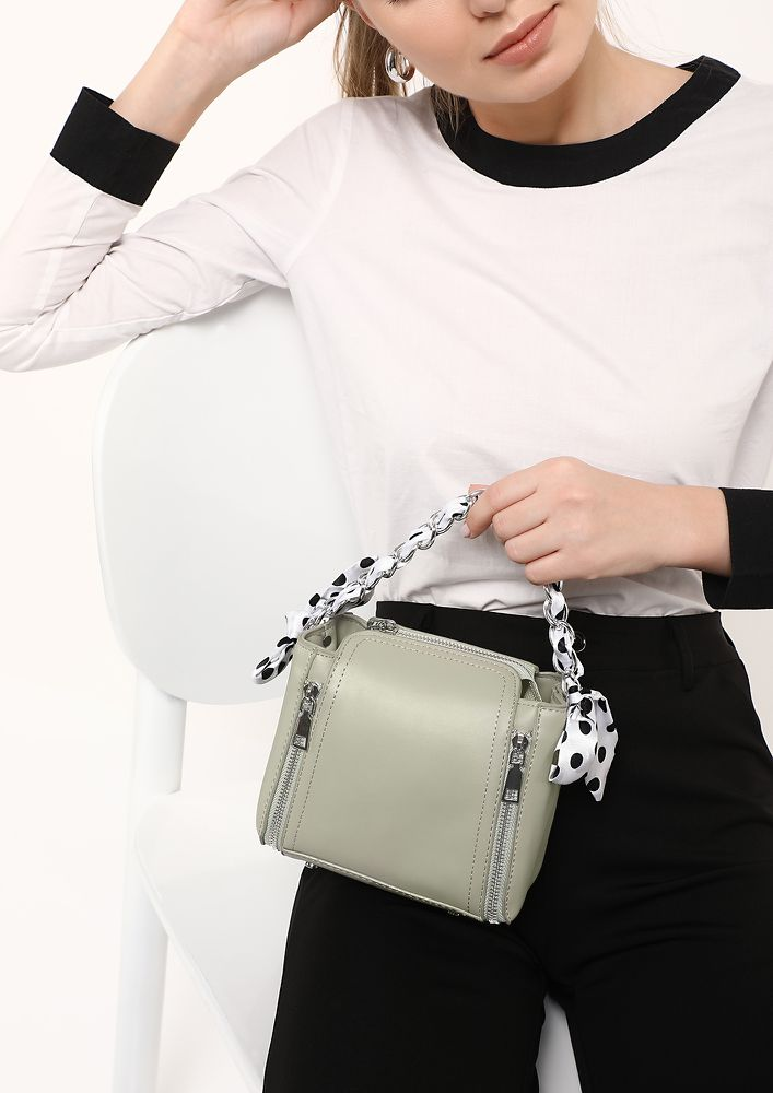 CHAIN UP GREEN SLING BAG