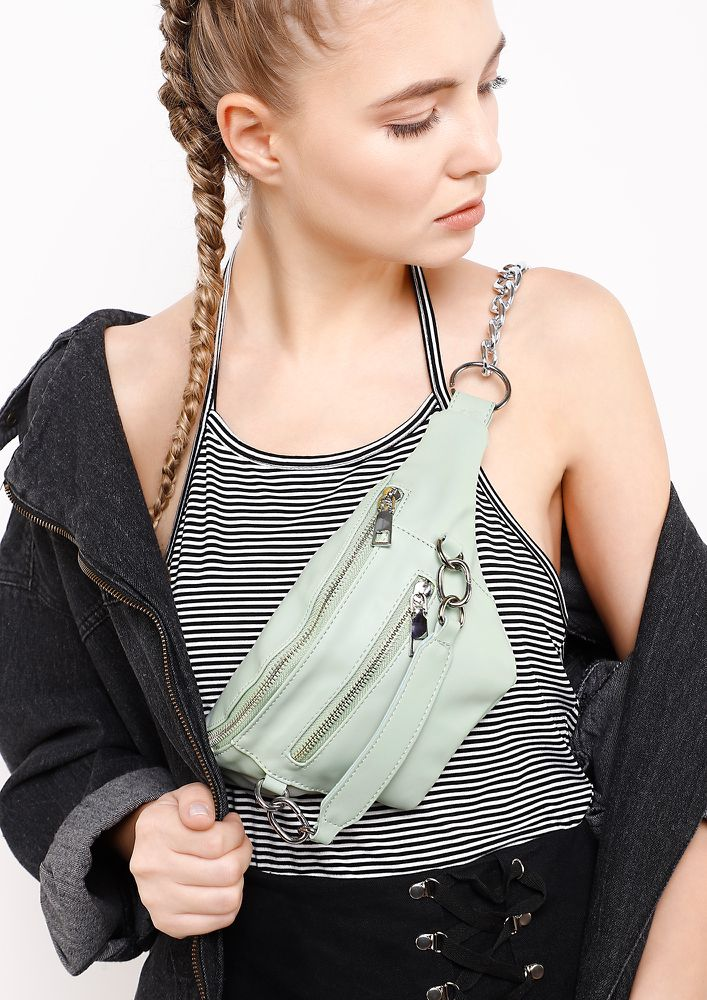 QUEEN OF HEARTS GREEN FANNY PACK