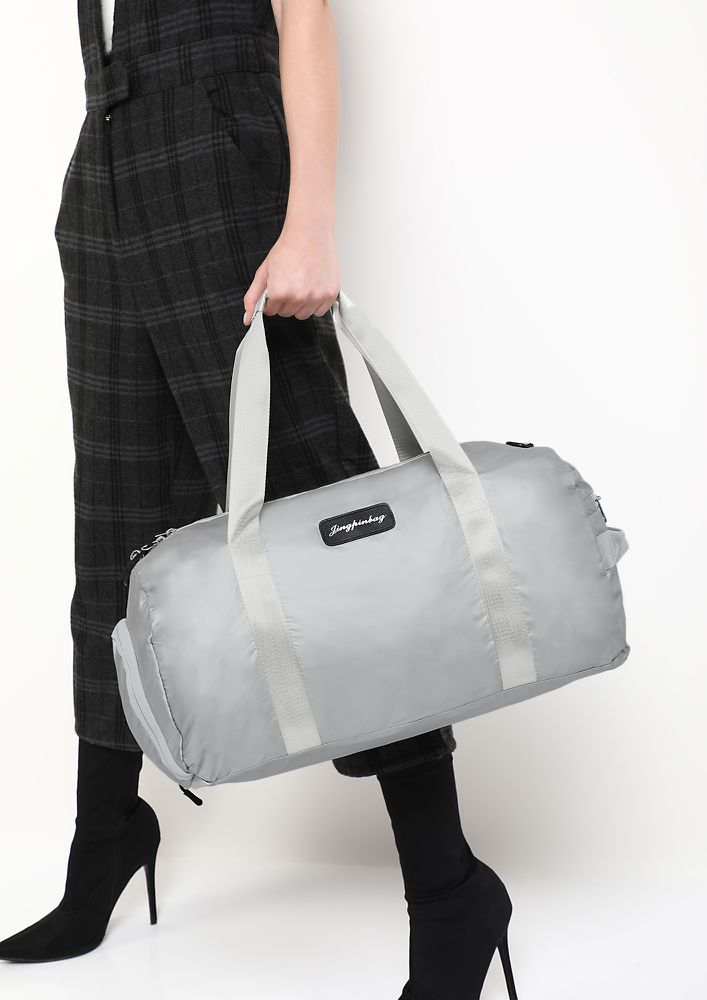 GYM MOTIVATION SILVER DUFFLE BAG