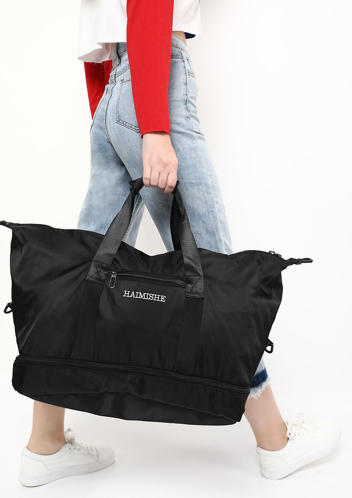 ALL IN FOR THE WEEKEND STYLE BLACK DUFFLE BAG