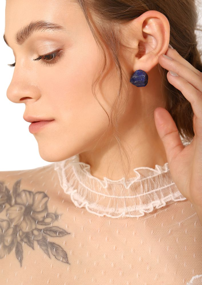 GOSS BABE STAY OFFBEAT BLUE STONE EARRINGS