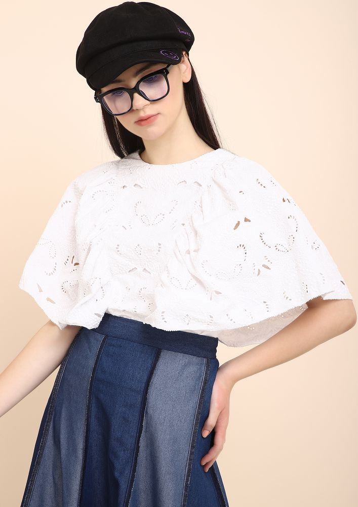 PUFFY AND BOXY WHITE CROP TOP
