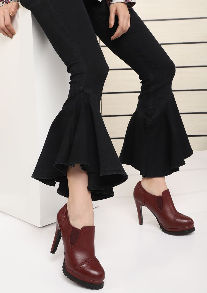 DON'T COMPLICATE THE STITCH-UATION RED BOOTIES