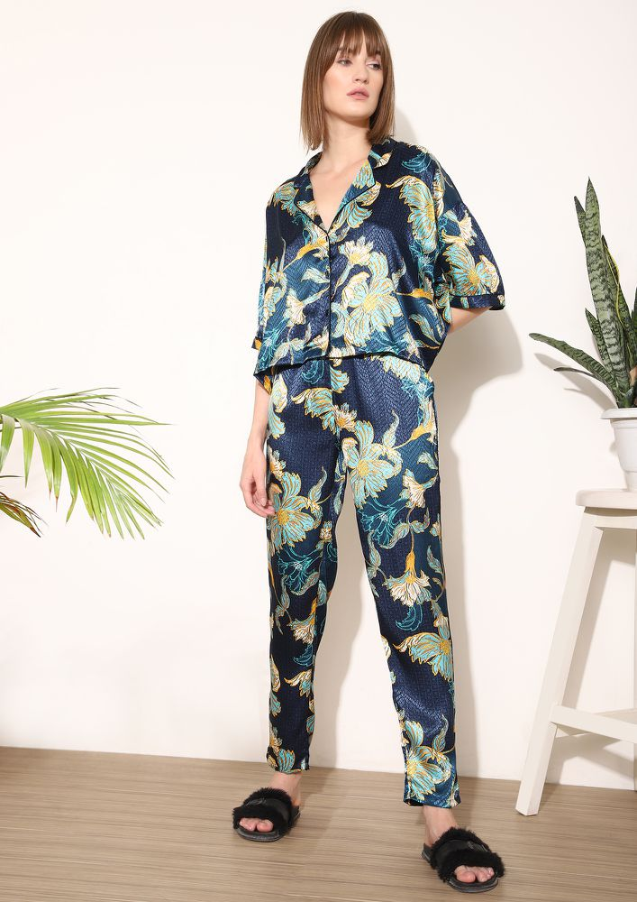 A FOREST WILDERNESS BLUE NIGHTWEAR SET