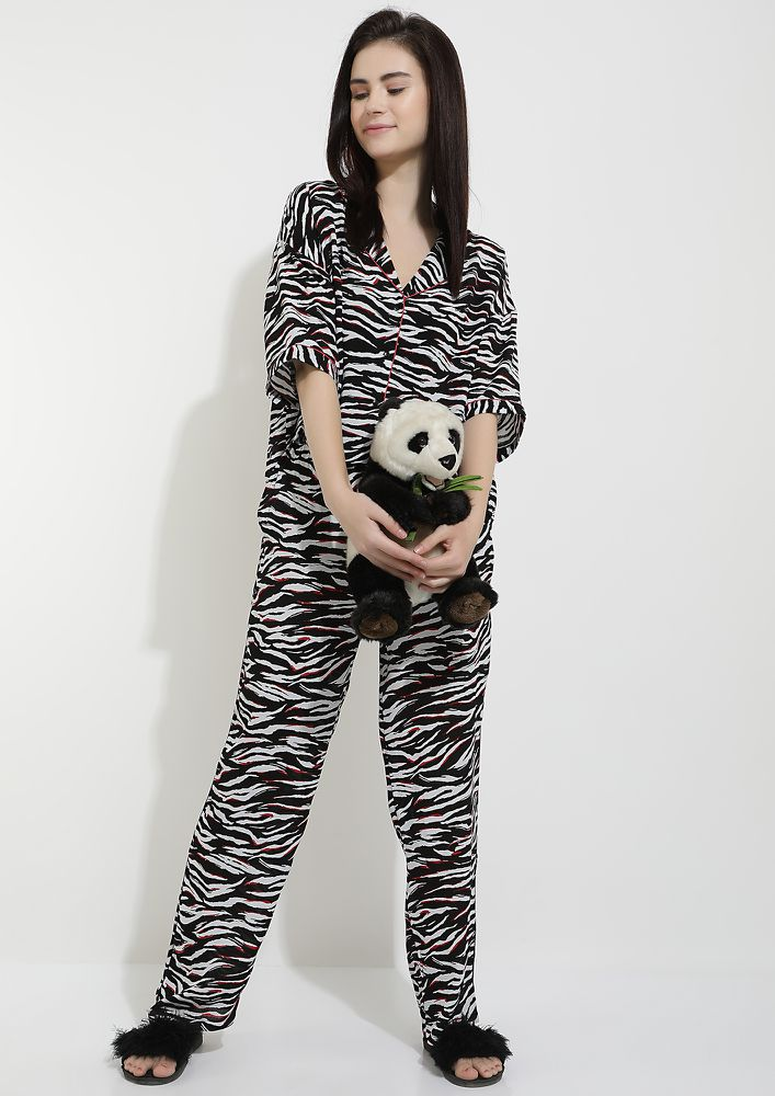 WILDEST DREAMS BLACK AND WHITE SLEEPWEAR SET