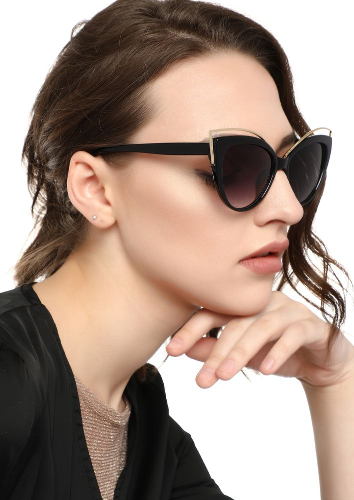 EYE NEED THESE BLACK CATEYE SUNGLASSES