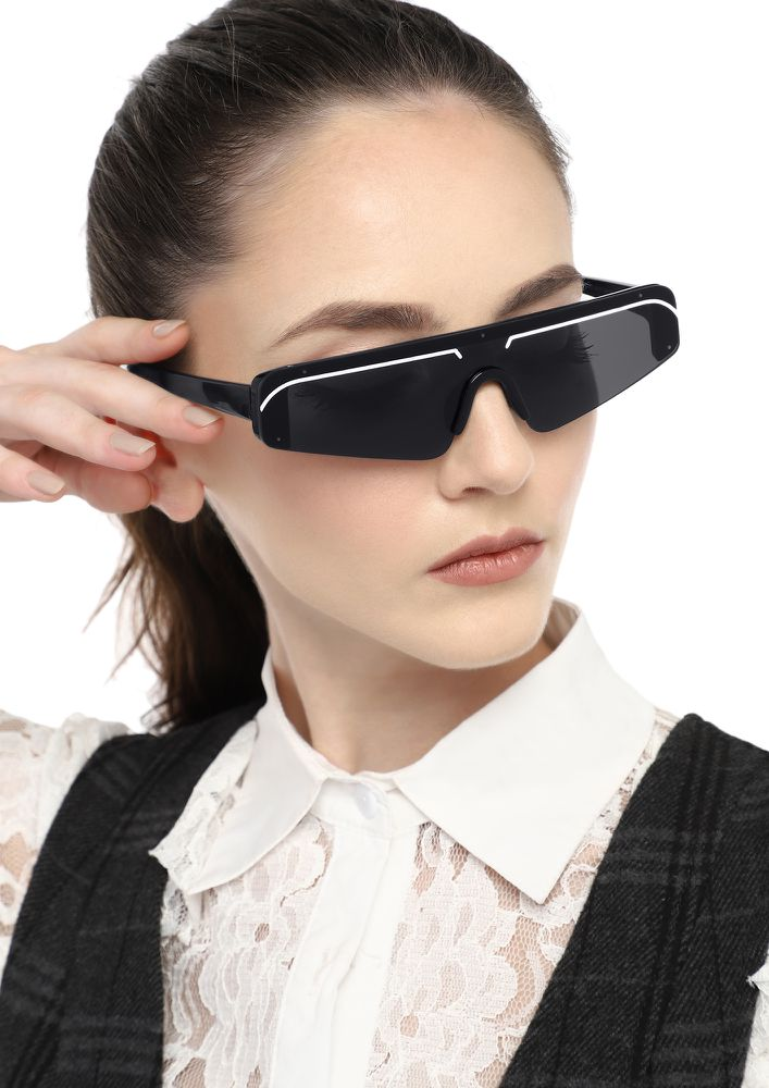FUTURE IS NEAR BLACK SQUARE SUNGLASSES