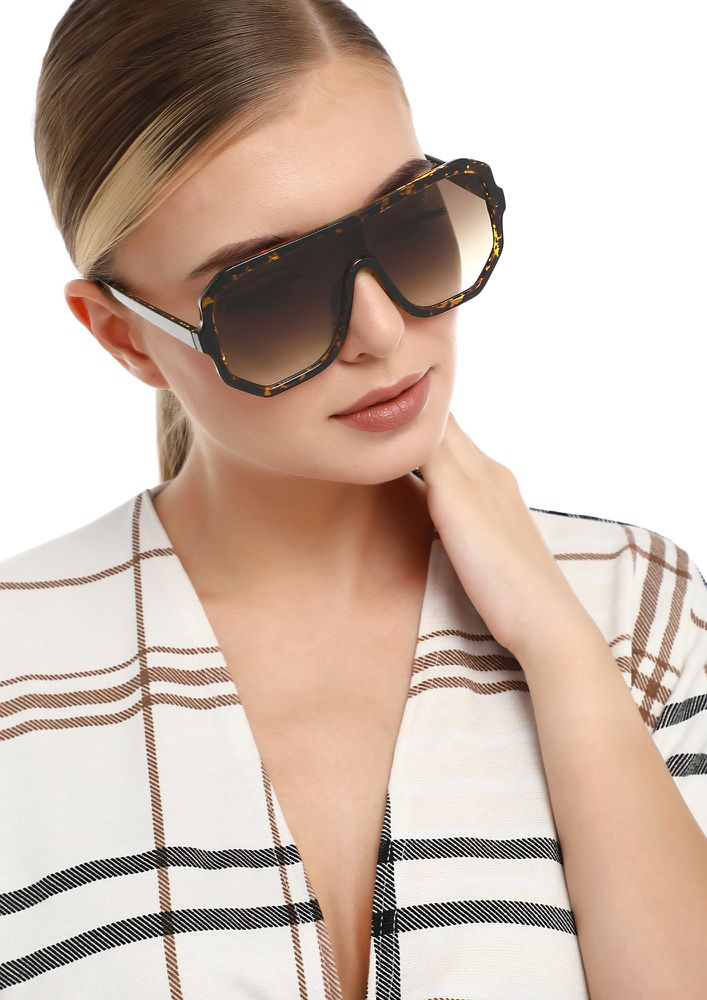 ONE IN A MILLION AMBER SQUARE SUNGLASSES