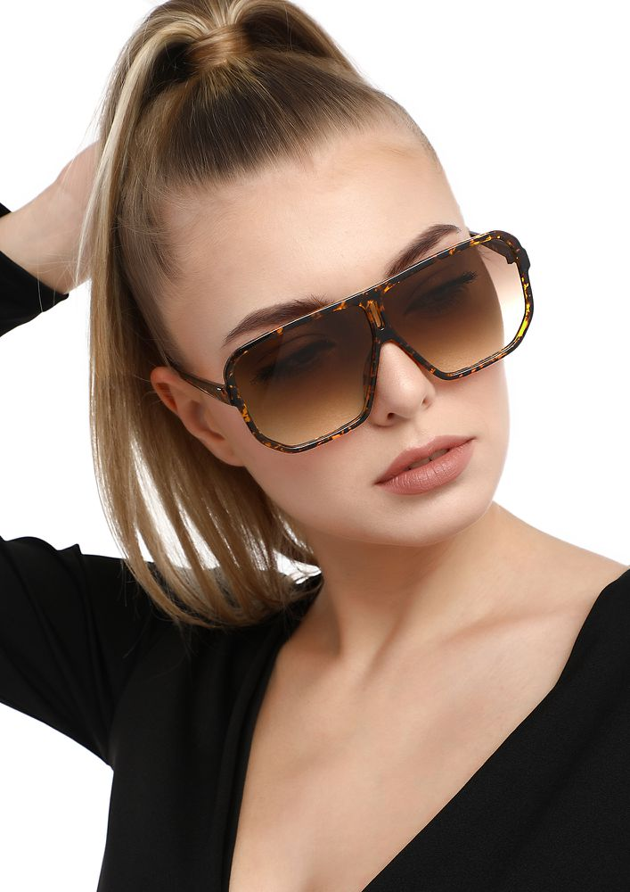 SHE'S SO FEARLESS AMBER SQUARE SUNGLASSES