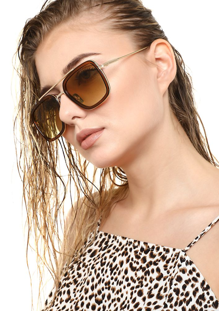 CAUGHT IN A SQUARE TEA BROWN SQUARE SUNGLASSES