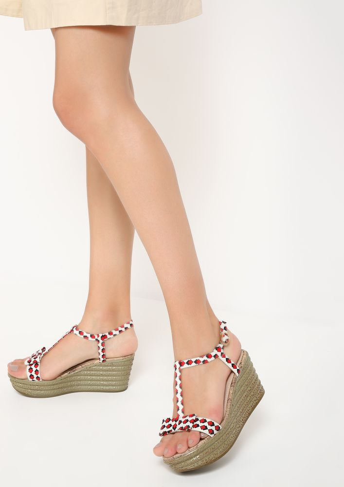 BOW IN SQUARES RED WEDGES