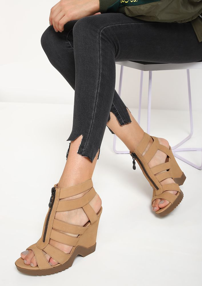 LET YOUR LOVE GROW BROWN HEELED SANDALS