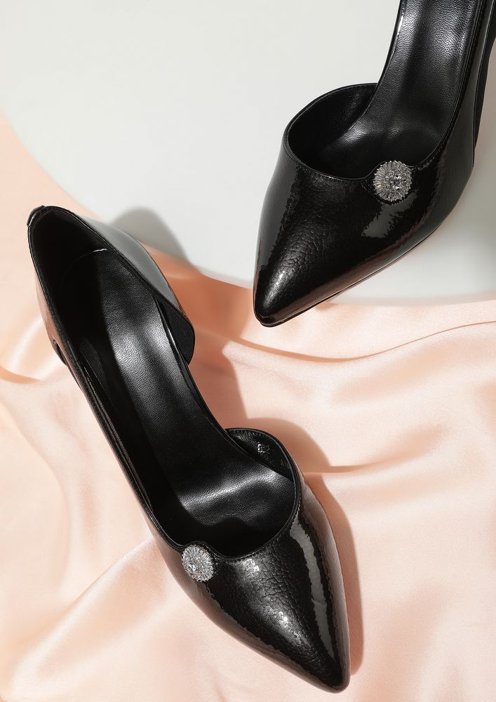 FINDERS KEEPERS BLACK PUMPS