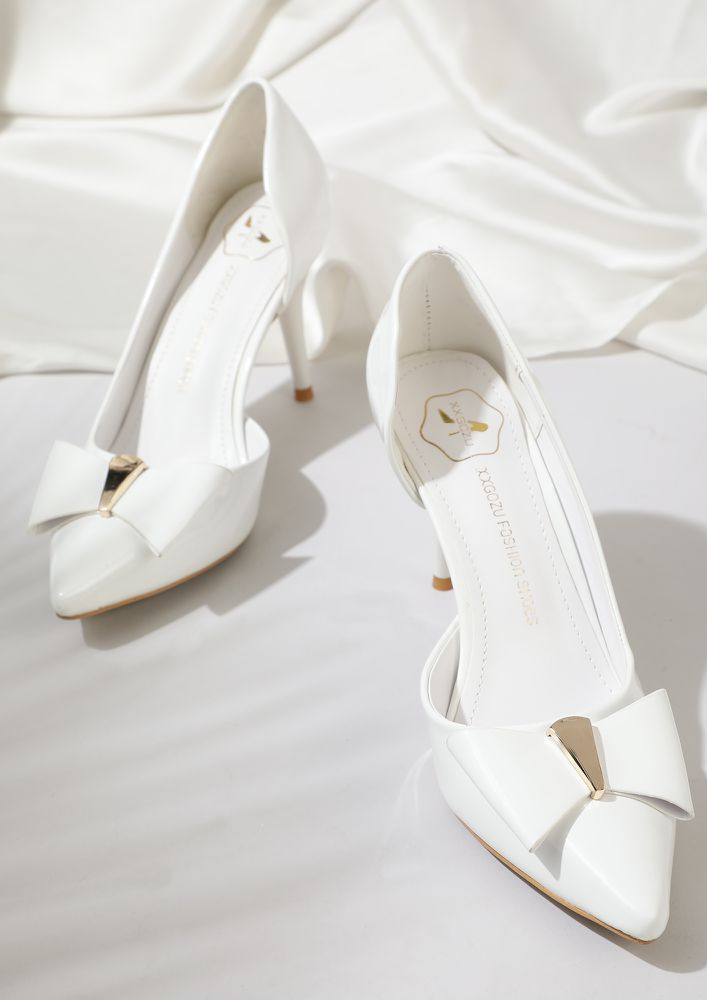 You Got Me Drooling WHITE POINTY PUMPS