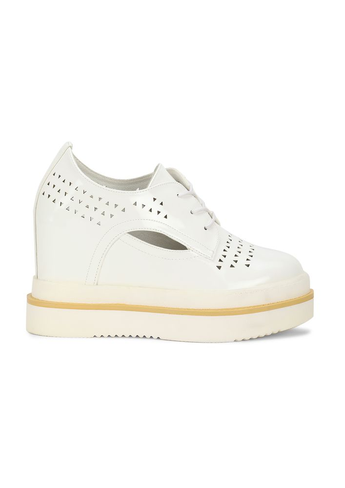 DANCING IN GLEE BABY WHITE HEELED SHOES
