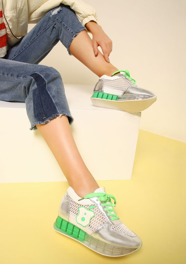 ALL EYES ON ME GREEN TRAINERS