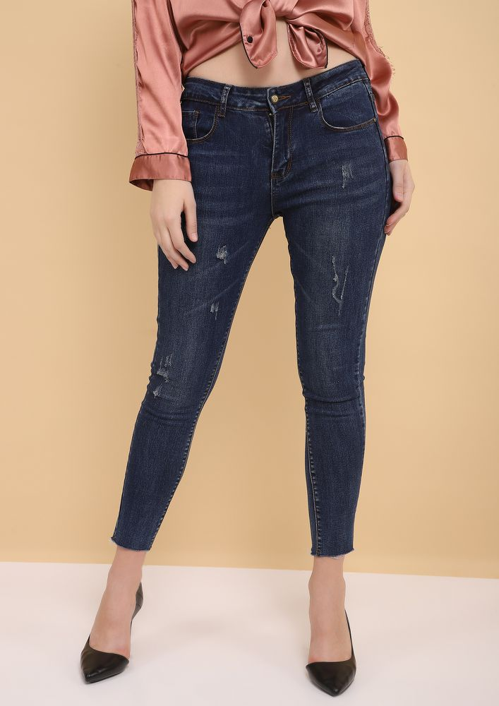 THE KEY CUT BLUE CROPPED JEANS