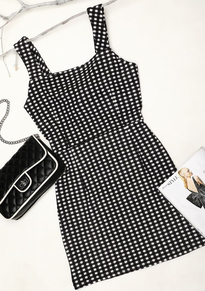 TYING THE KNOT ON  CHECK BODYCON DRESS IN BLACK