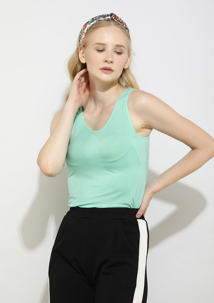 WITH YOU EVERYTHING IS SIMPLE GREEN TOP