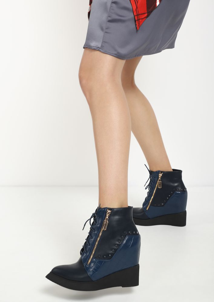 DUAL MINDS BLUE ANKLE BOOTS