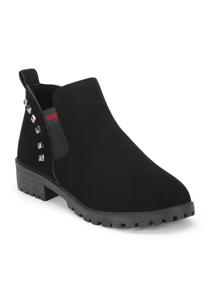 CLASSIC WITH A TWIST BLACK CHELSEA BOOTS