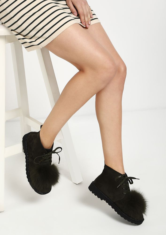 FURRY DREAMS OLIVE GREEN CASUAL SHOES