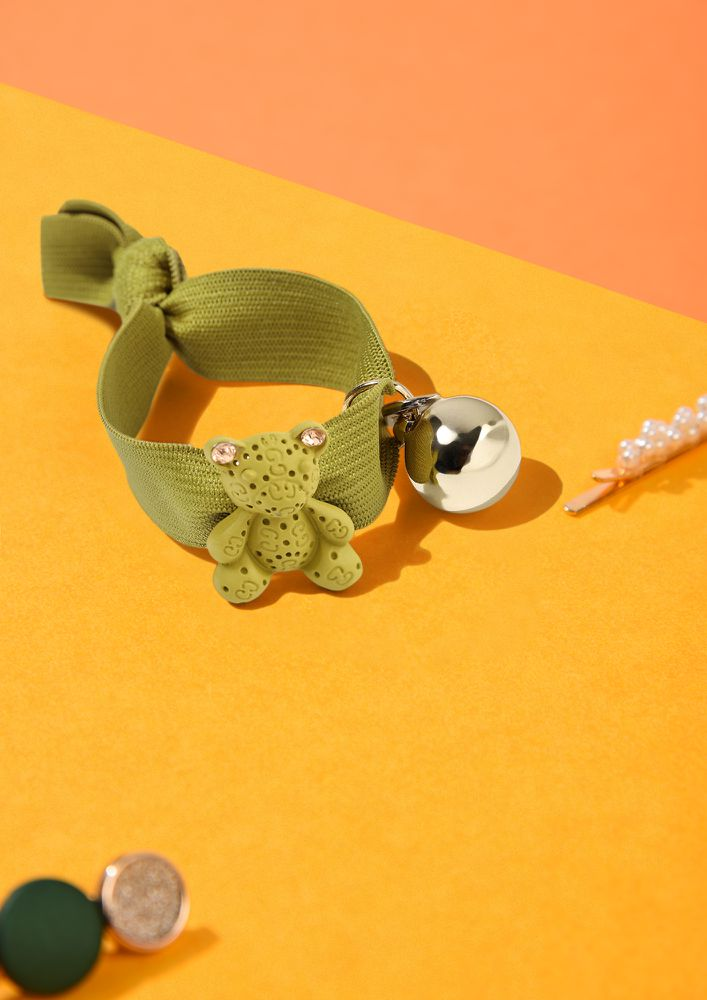 TEDDY LOVE GREEN SCRUNCHIE