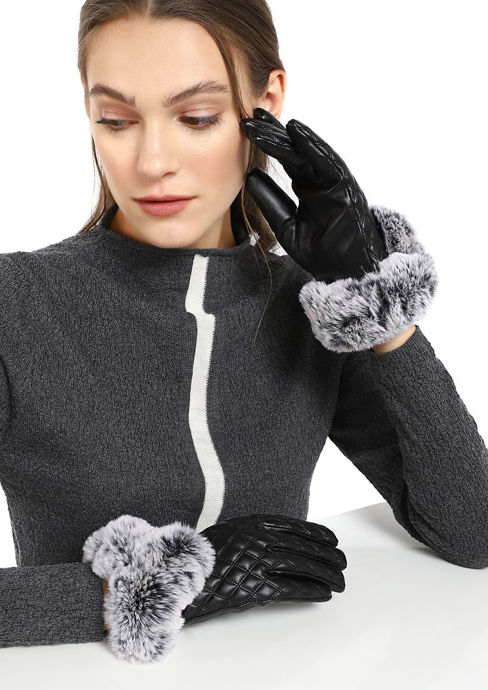 TO QUILT OR NOT BLACK GLOVES