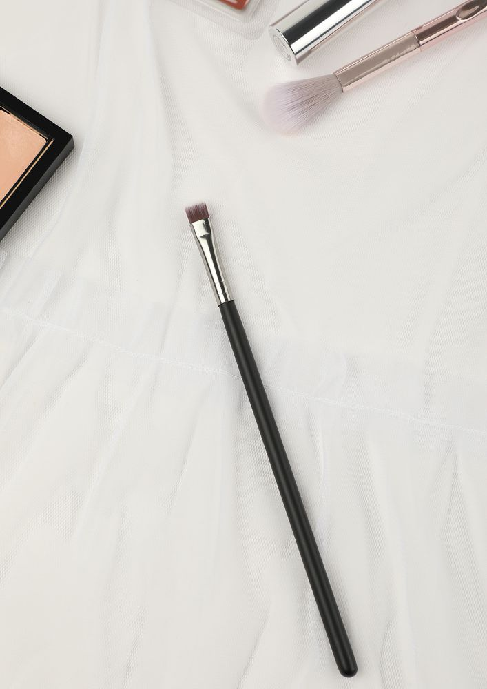 BEAUTY UP HERE BLACK SMALL MAKEUP BRUSH