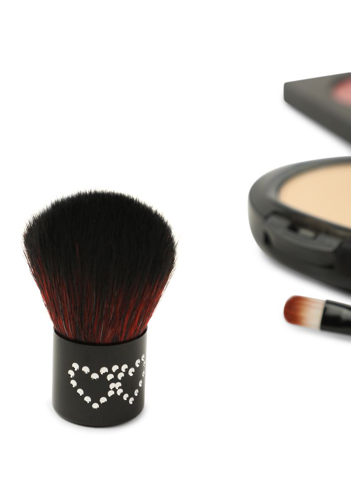 WAY TO GLOW BLACK FOUNDATION BLUSH BRUSH