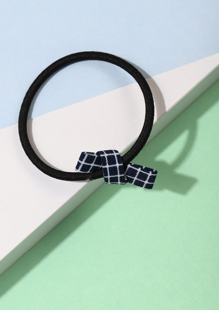 IN A BOW MOOD NAVY SCRUNCHIE