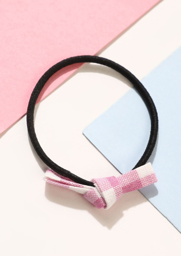 BOW YOUR WORTH PINK SCRUNCHIE