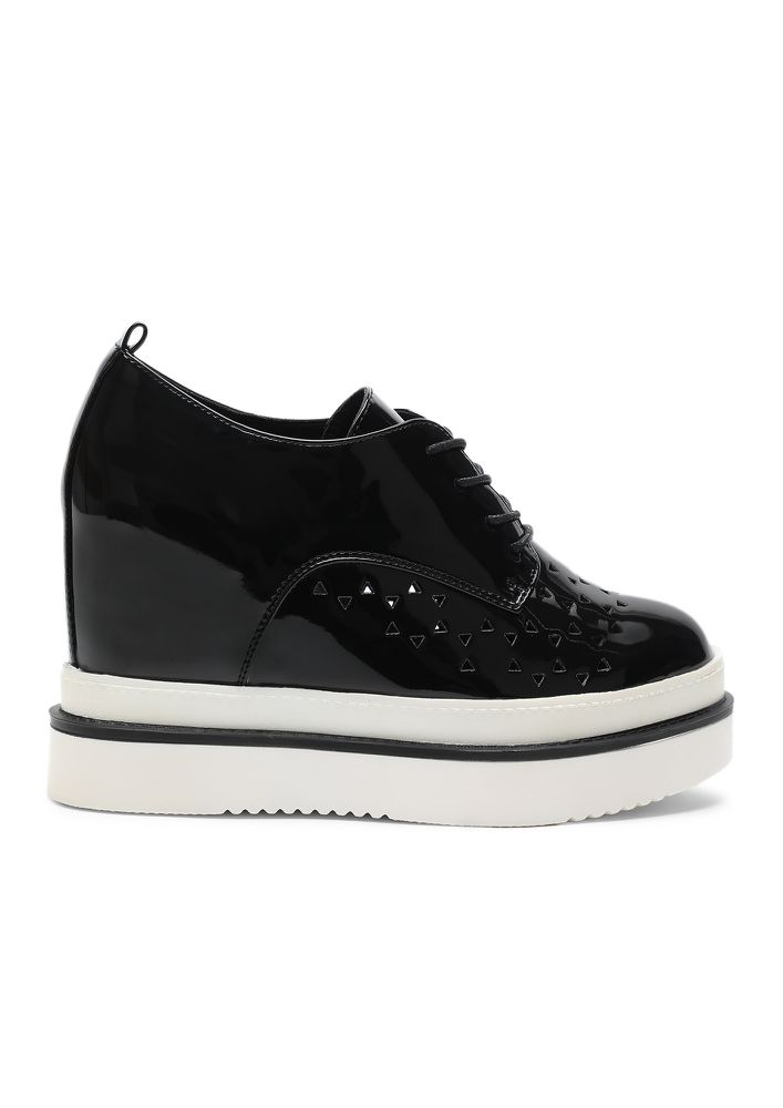 CAN'T HELP YOU BLACK HEELED SHOES