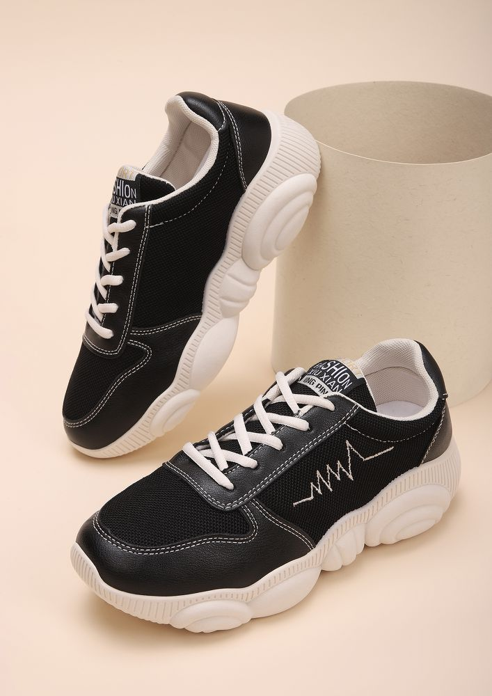 COMING IN A HEARTBEAT BLACK TRAINERS