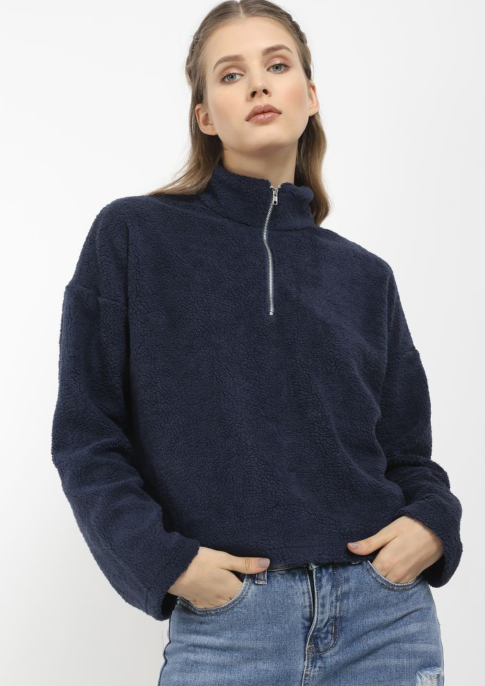 THE WARMEST BASIC BLUE CROPPED SWEATSHIRT