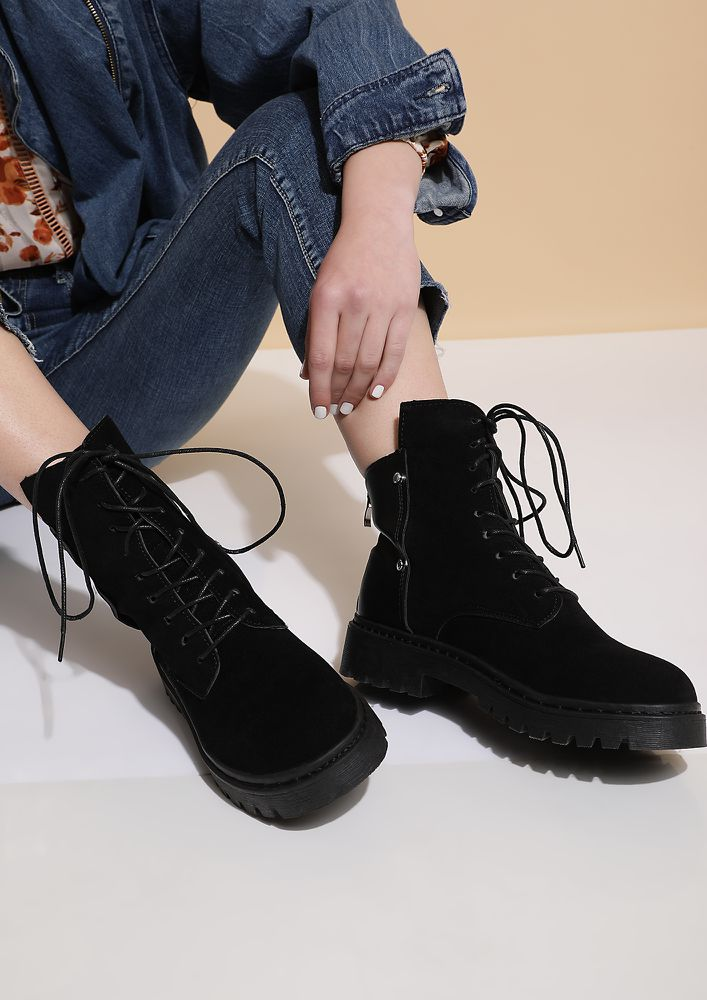 CALLING ALL WANDERLUSTS BLACK BOOTS