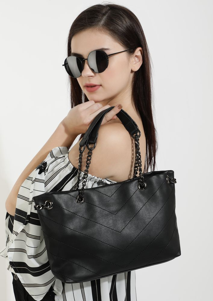 PRIM TO THE MAX BLACK TOTE BAG