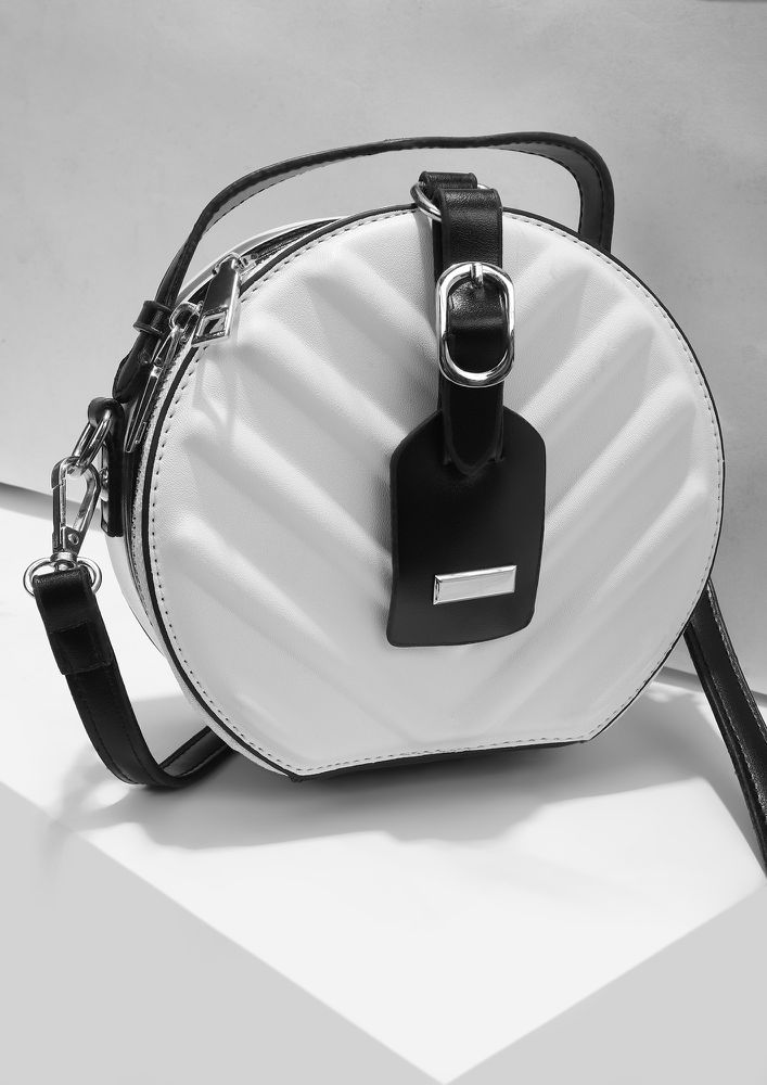 THE SMART POUCH WHITE CLUTCH