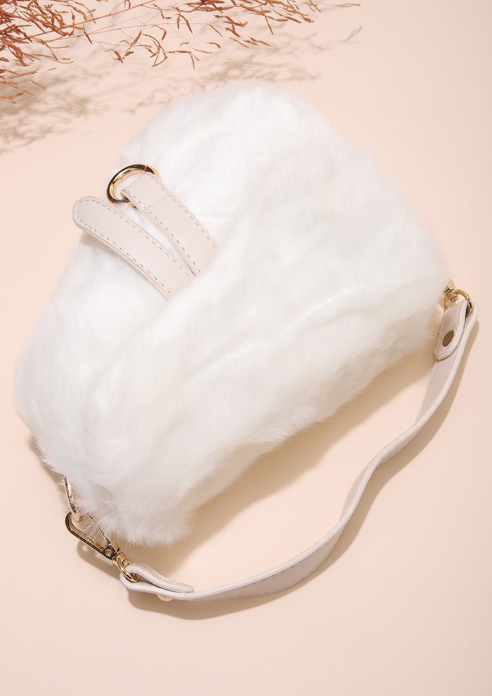 FUR THERAPY WHITE SLING BAG