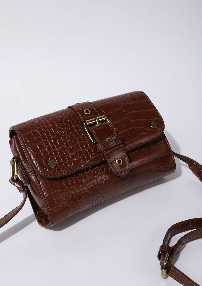 CROC TALES BROWN SLING BAG