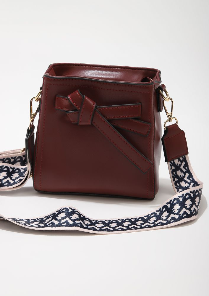 CUTE WITH A BOW WINE SLING BAG