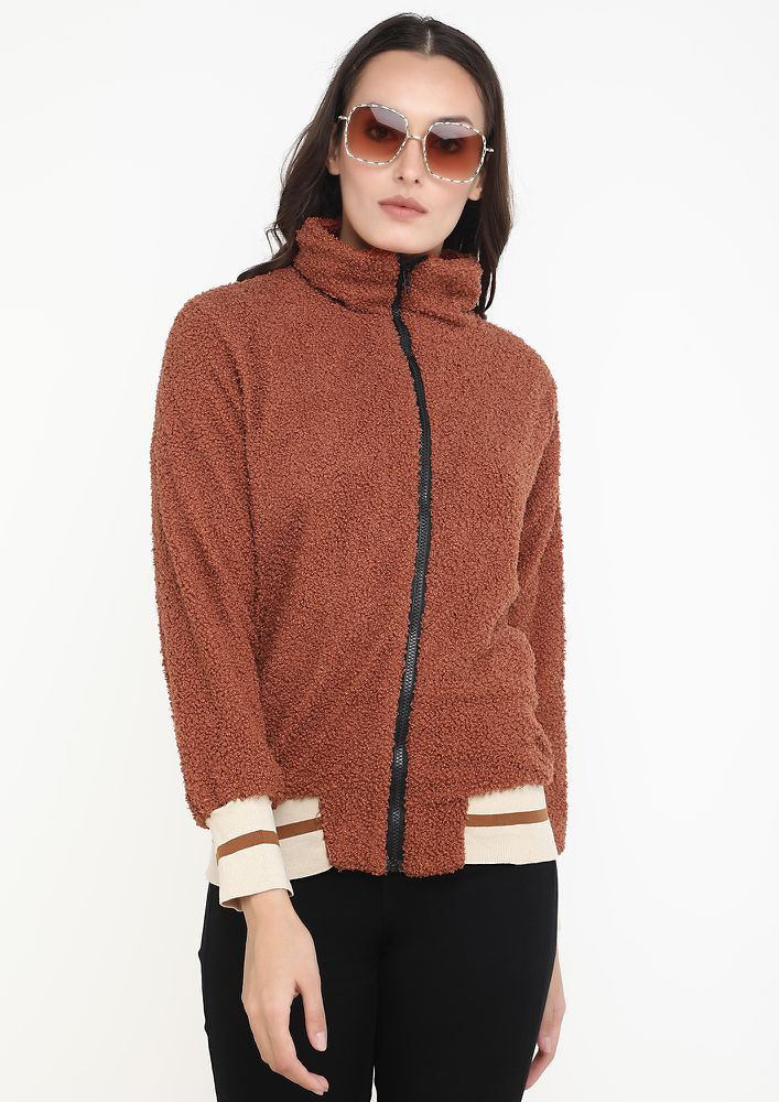 LINES AND WARMTH COFFEE JACKET