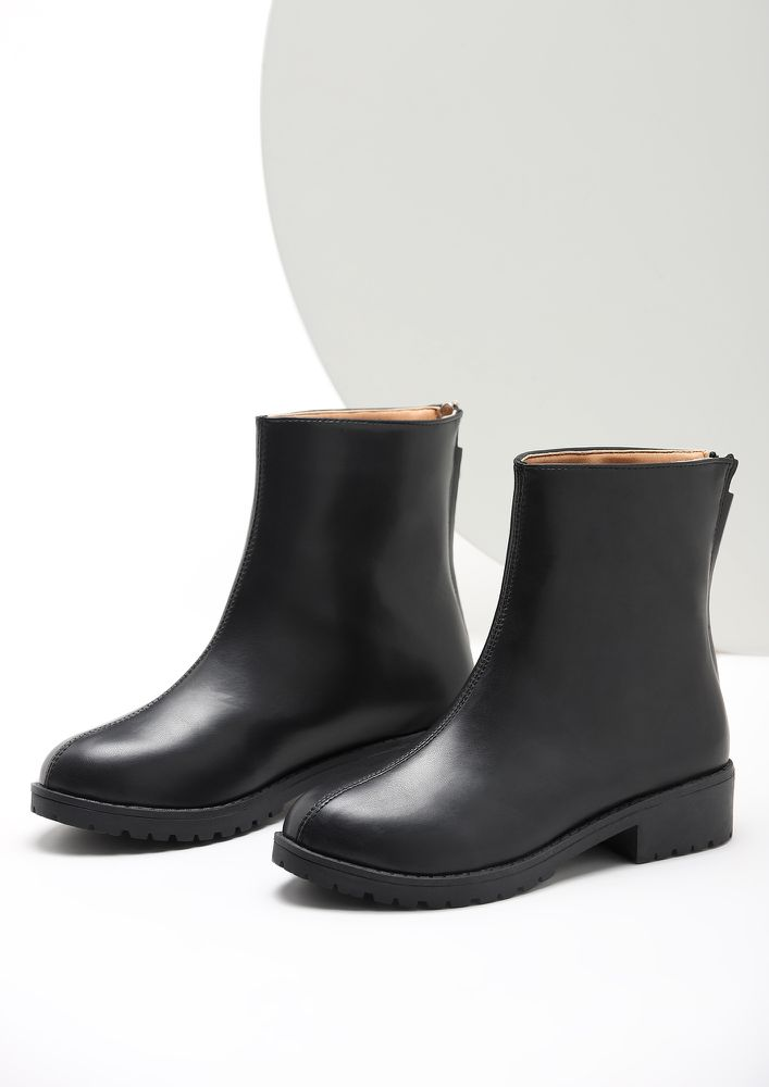 LIKE IT LIKE THAT BLACK ANKLE BOOTS
