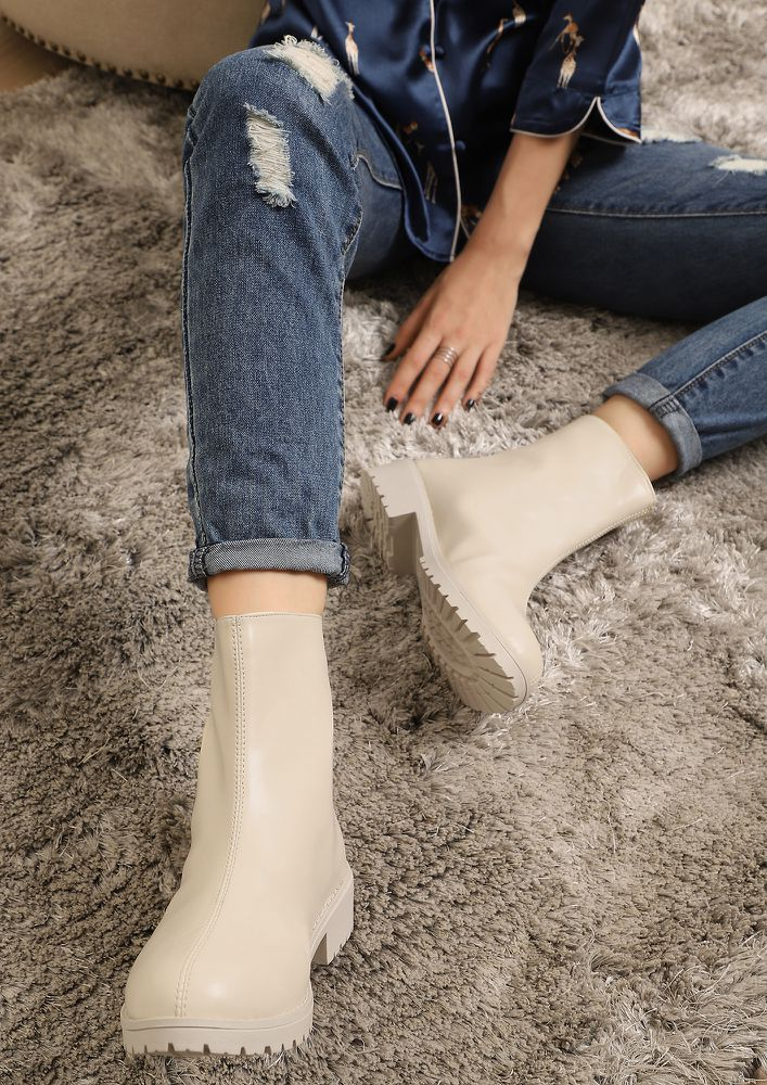 LIKE IT LIKE THAT BEIGE ANKLE BOOTS