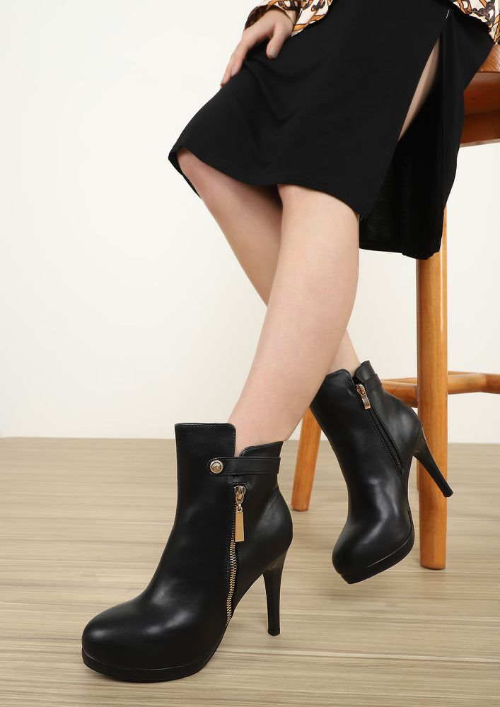 SLAYING AROUND BLACK ANKLE BOOTS