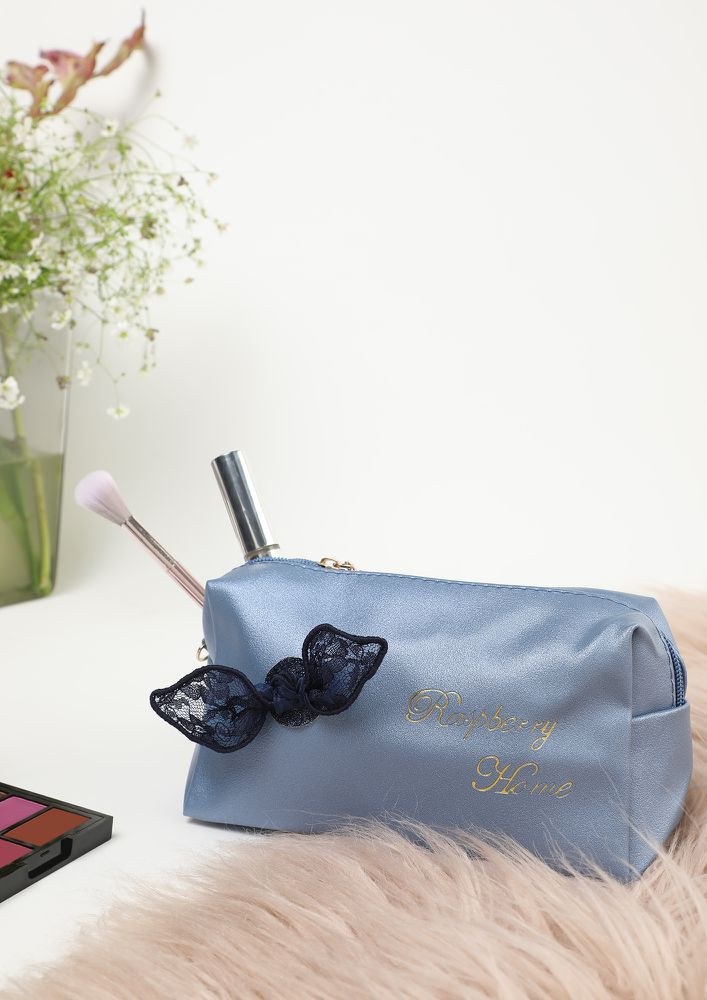 HOME FEELS HAPPY BLUE MAKE-UP POUCH