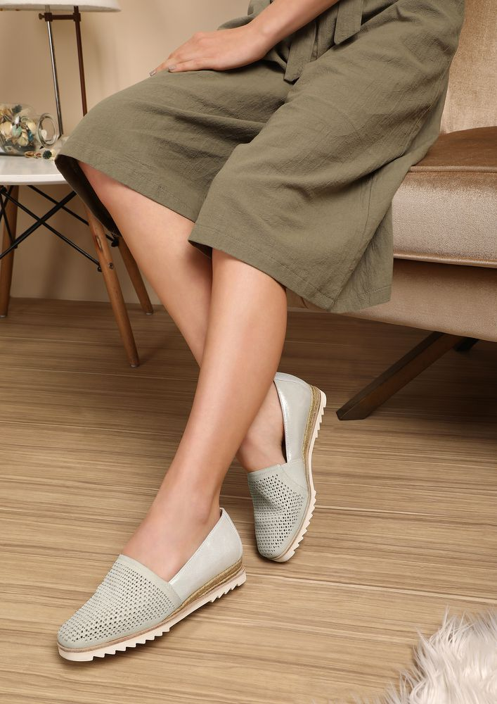 GONE WITH THE STUDS IVORY ESPADRILLES